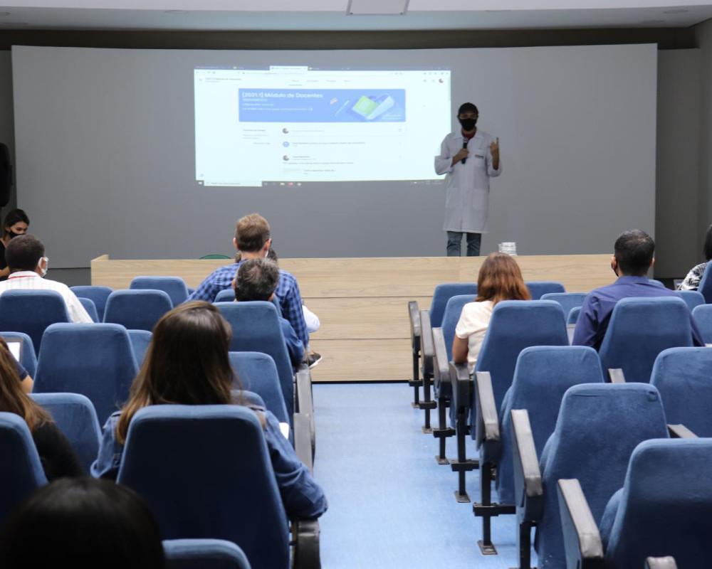 EDUFOR realiza Formação Continuada para professores