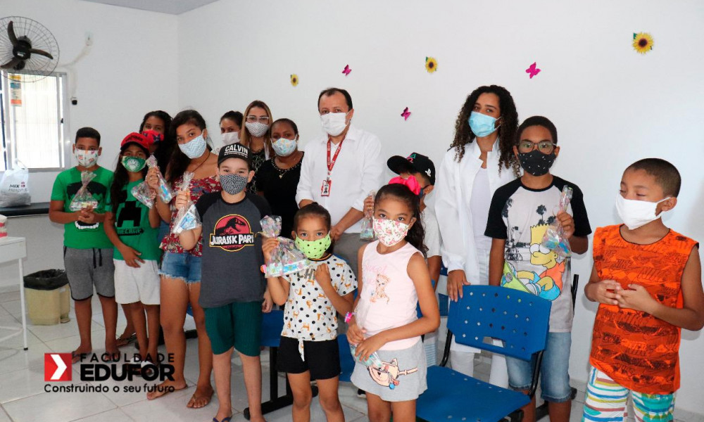 Curso de Odontologia da EDUFOR realiza ação em parceria com a SEMUS em comemoração ao Dia do Dentista
