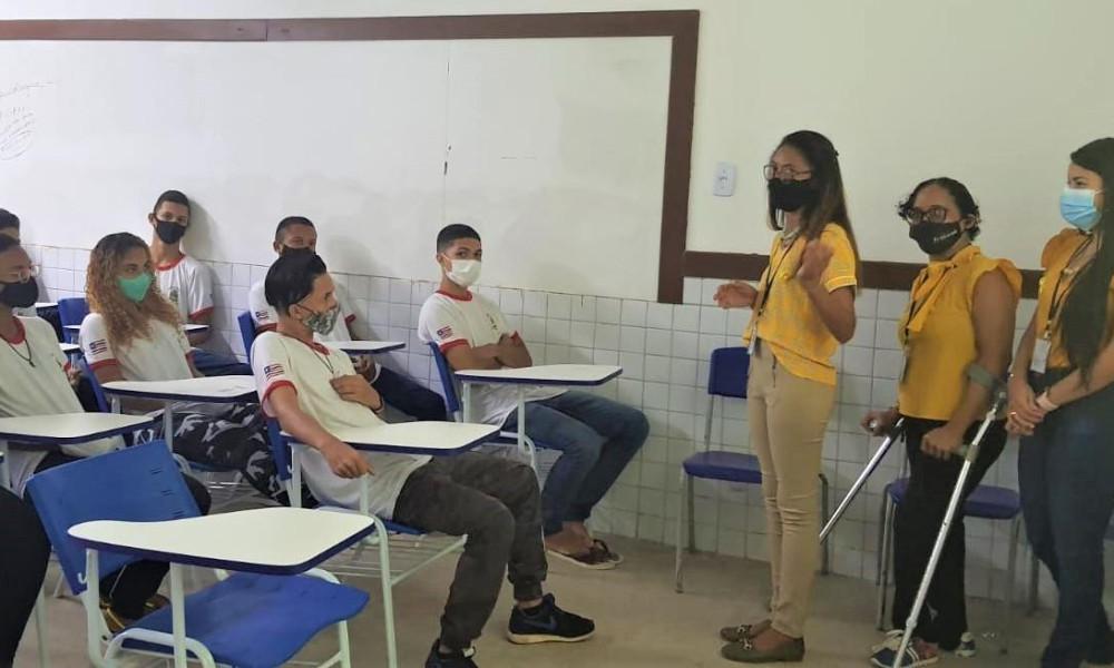 CISS Edufor promove ação do Setembro Amarelo na escola Coelho Neto