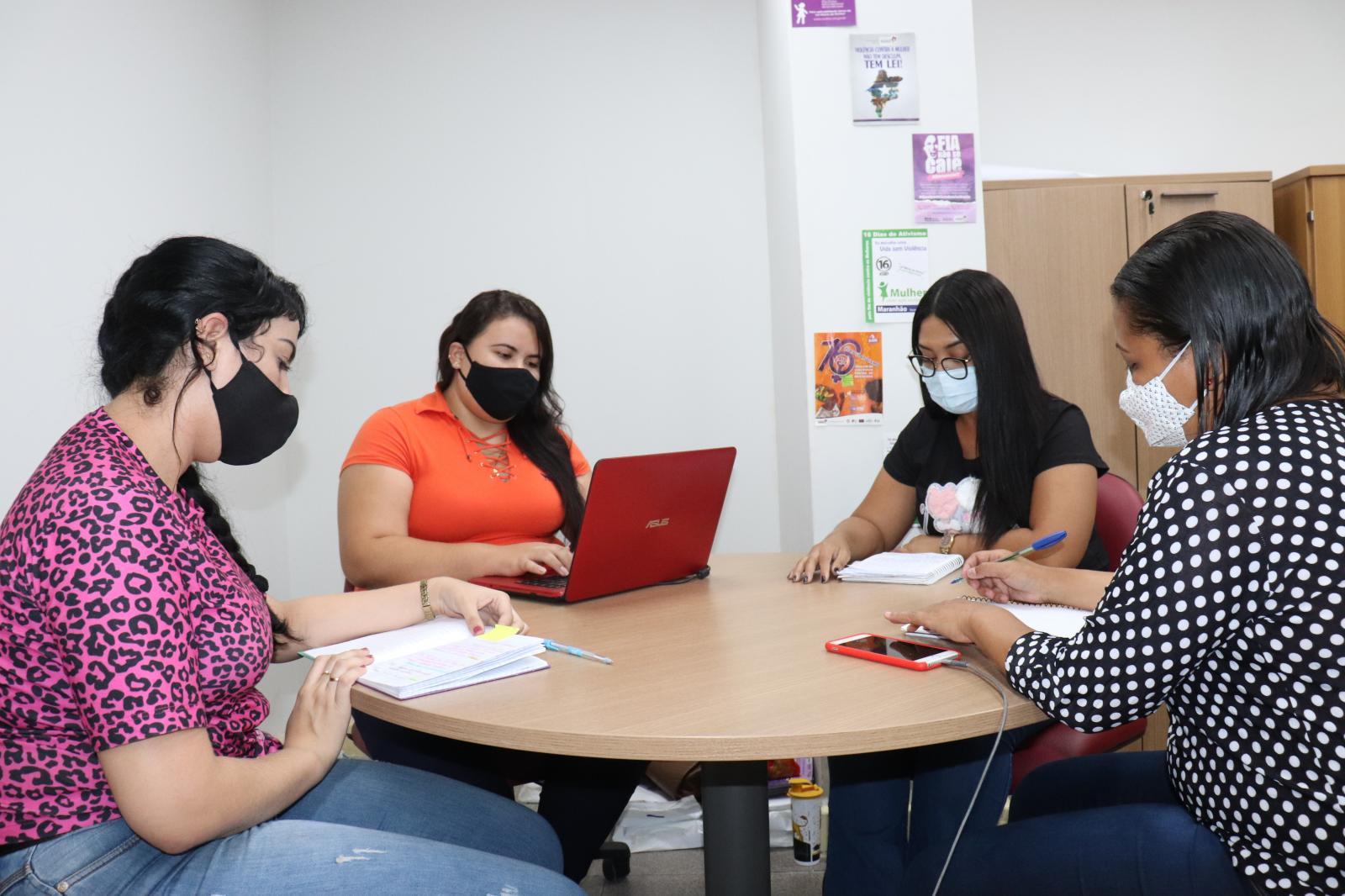 Momento de atividades entre as alunas